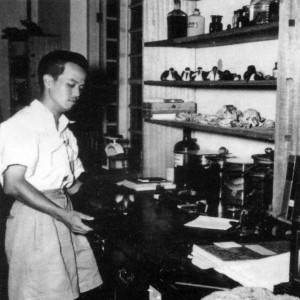 Dr. Lim Boo Liat at the Scrub-Typhus Unit laboratory, Institute for  Medical Research (IMR) in Kuala Lumpur 66 years ago (1948).