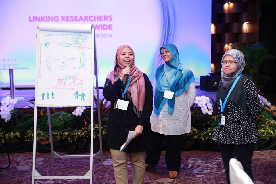 Researchers from USM Penang at the 'Pitch my Innovation' competition that was held as part of the EURAXESS Links ASEAN conference in Singapore in November 2014.